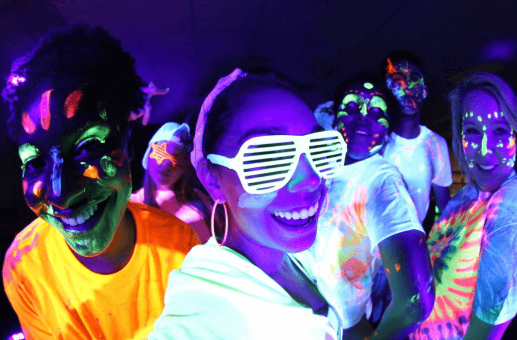 glow party outfit ideas